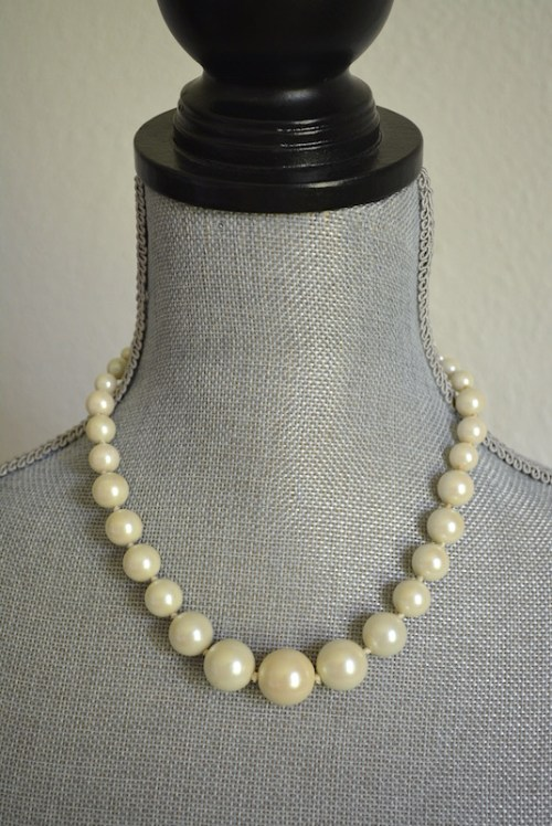 White Pearls Necklace, Pearl Necklace, Pearls Necklace, Vintage Pearls, Audrey Hepburn