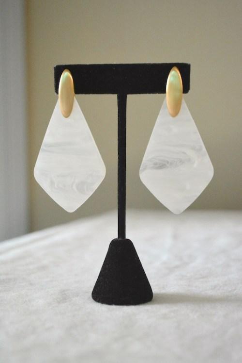 White Shell Diamond Earrings, White Shell Earrings, White Shell Jewelry, Shell Earrings, Gold and White Earrings