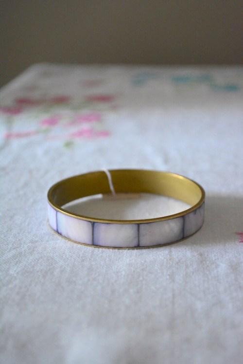 Lilac Shell Bracelet, Lilac Bracelet, Vintage Bracelet, Bangle Bracelet, Vintage Bangle Bracelet, Purple Bracelet