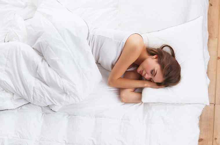 cooling pillow: Live & Sleep Classic - Memory Foam Pillow