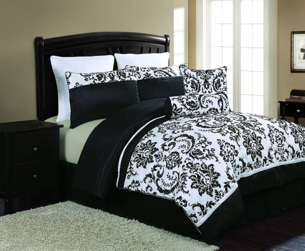 Black and White Bedding Sets That Will Make Your Room Look