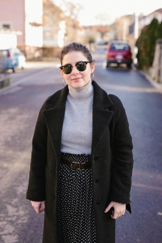 Comment porter la jupe plissée en hiver - Sleepy Kate