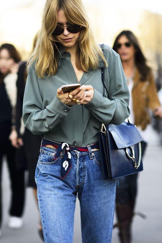 Si je devais choisir qu'un seul accessoire ce serait bien le foulard! Mes tenues sont souvent simples. Du coup, c'est un bon moyen d'apporter une petite touche originale et colorée à mes looks. Mais comment porter un foulard avec style? #modefemmes