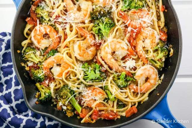 Lemon Garlic Broccoli Pasta with Shrimp for dinner in this week