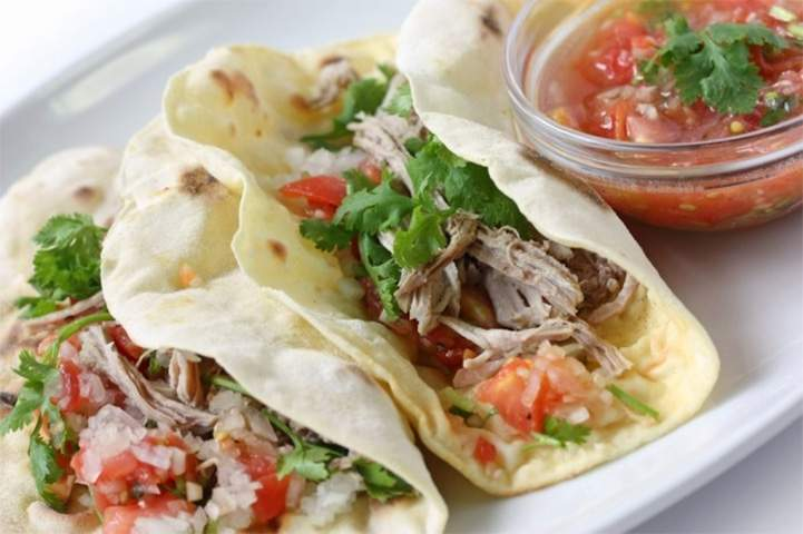 Healthy Meal Plan dinner of Slow Cooker Carnitas tacos.