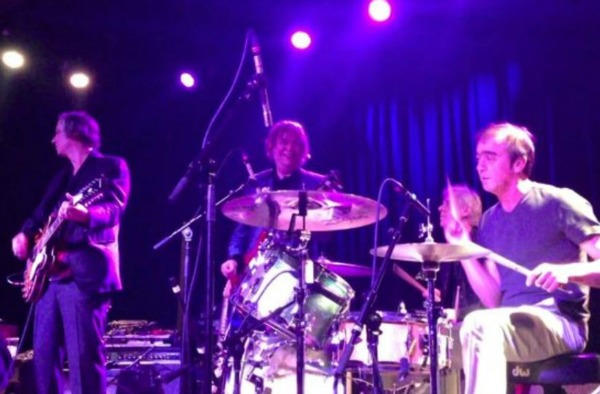 Video REMs Peter Buck Bill Berry and Mike Mills play