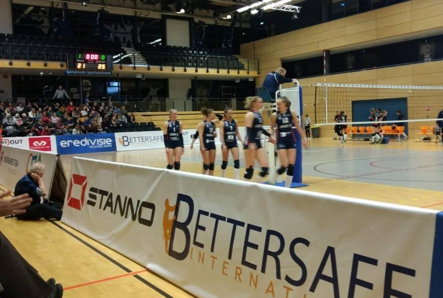 Dames 1 rolt Zwolle op