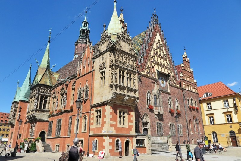 and of course, you can't miss the centuries old Town Hall - Wroclaw's pride and joy