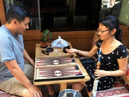 Week 24: Istanbul - partaking in the favorite pastime: shisha + backgammon