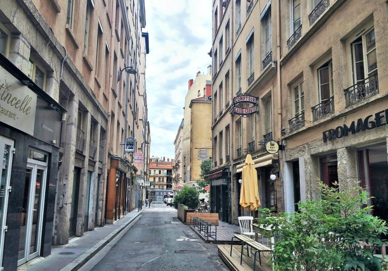 Lyon fromagerie street