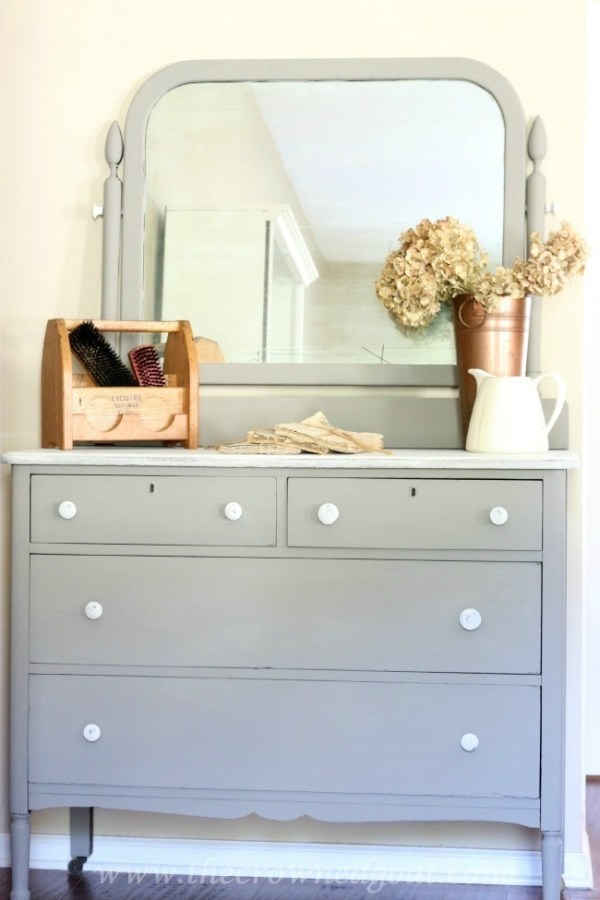 Annie-Sloan-Chalk-Paint-French-Linen-Painted-Dresser-The-Crowned-Goat-072215-10