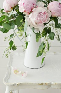 Shabby Chic French Country Table Makeover | Slightly Coastal