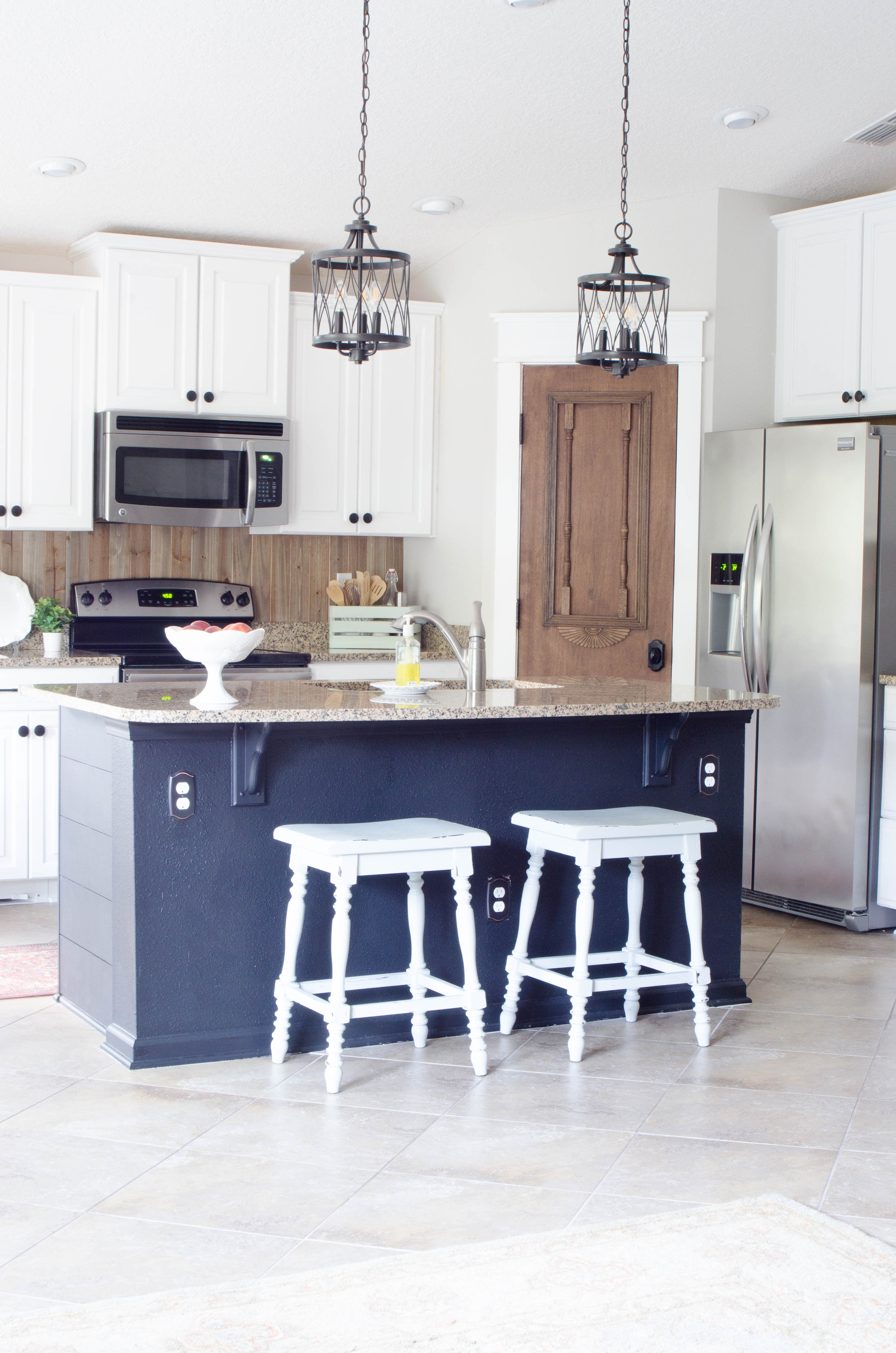 40 25 best ideas about nautical kitchen on pinterest for Nautical kitchen table