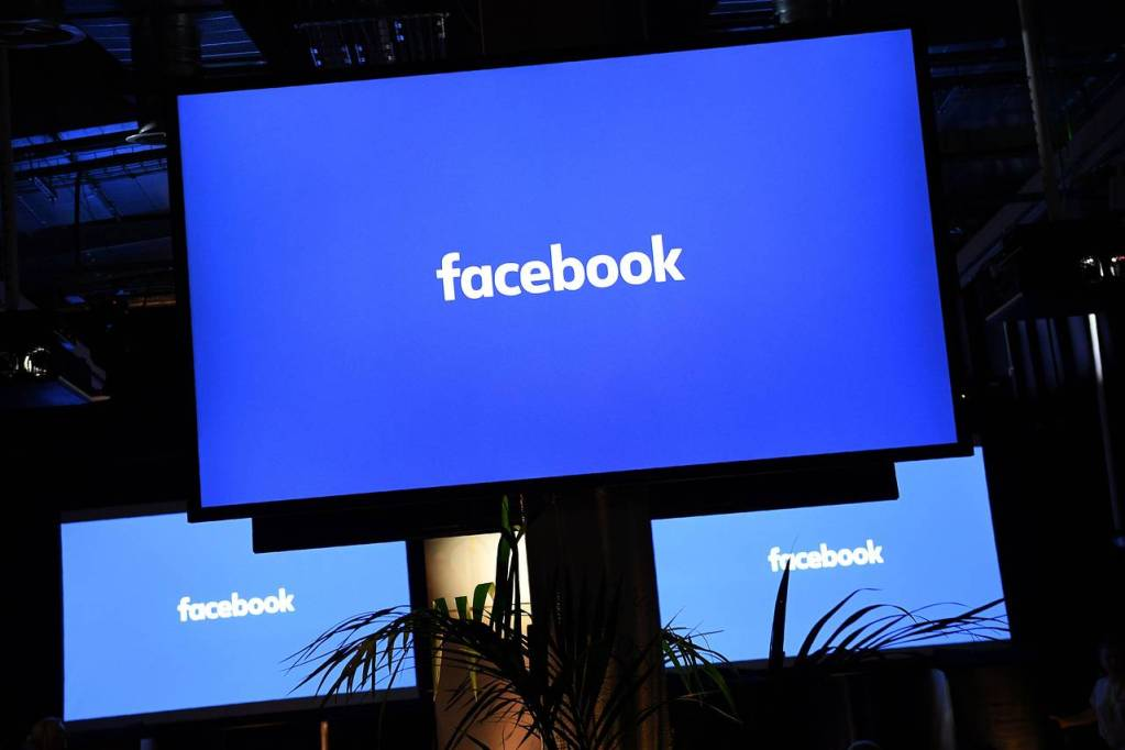 Facebook Aims At Running On 100% Renewable Energy In 2020