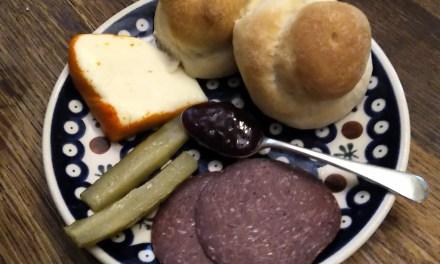 Mennonite Fellowship Meals Compared: Faspa vs The Church Potluck