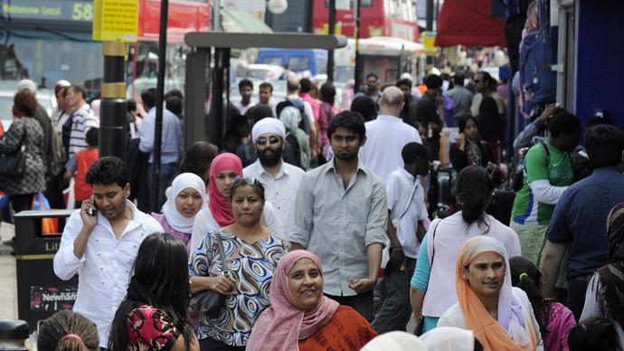 uk-mass-immigration-segregation.si