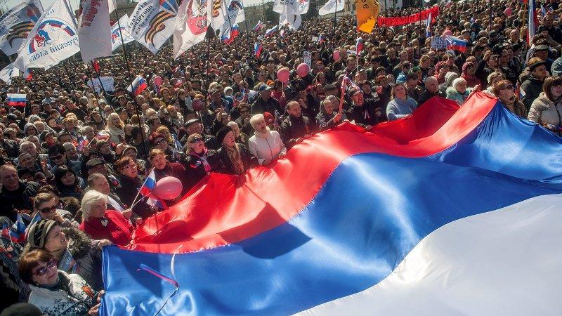 Pro-Russia-protesters-dem-024