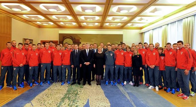 kolinda grabar kitarović hrvatska nogometna reprezentacija vatreni