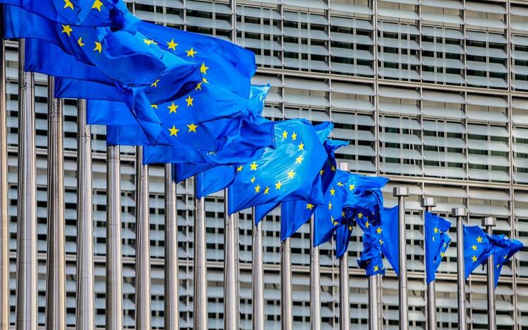 """Париски """"Ле Монд"""": Проширувањето на ЕУ кон Балканот е блокирано од Париз, Берлин и Хаг"""
