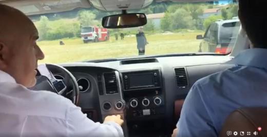 Борисов го провозе Ципрас со џип