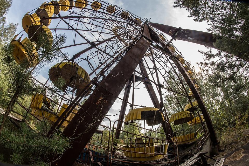 """Фотографии од Чернобил ГИ НАВРЕДУВААТ жртвите и преживеаните: Луѓе умираа, а тие """"креваат нозе"""" за лајкови"""