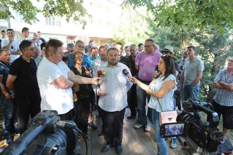 Градоначалникот Темелковски се приклучи на денешниот протест пред Центарот за зависници