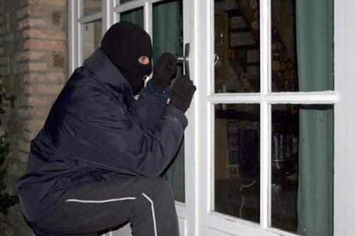 Приведени двајца крадци за извршени 17 кражби
