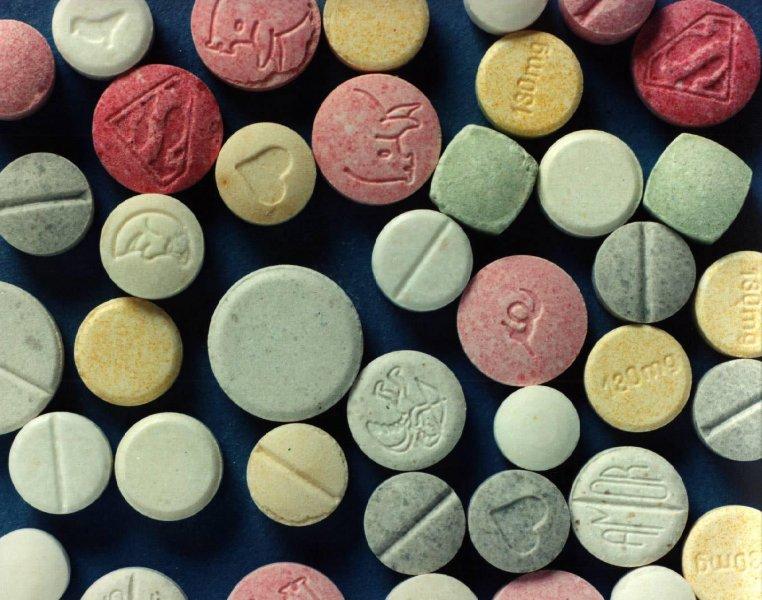 Амфетамински таблети и марихуана продавал дилер од Скопје