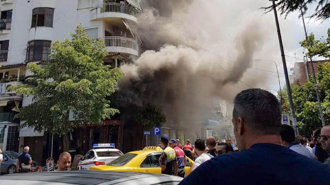 Силна експлозија среде Тирана, четворица повредени