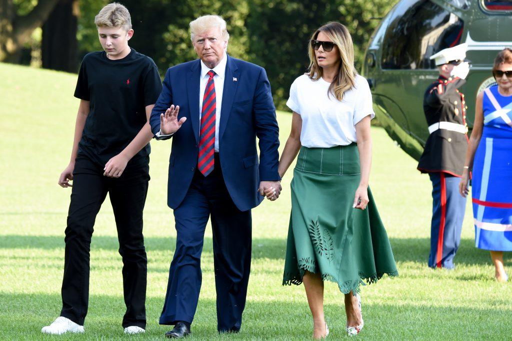 Меланија Трамп засенета од својата 74-годишна мајка