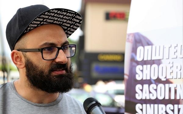 ХУМАН ПОТЕГ: Активистот Беким Асани се откажува од летувањето, бара некој кој ќе оди наместо него