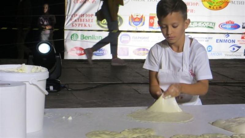 10-годишно момче е вистински мајстор за бурек