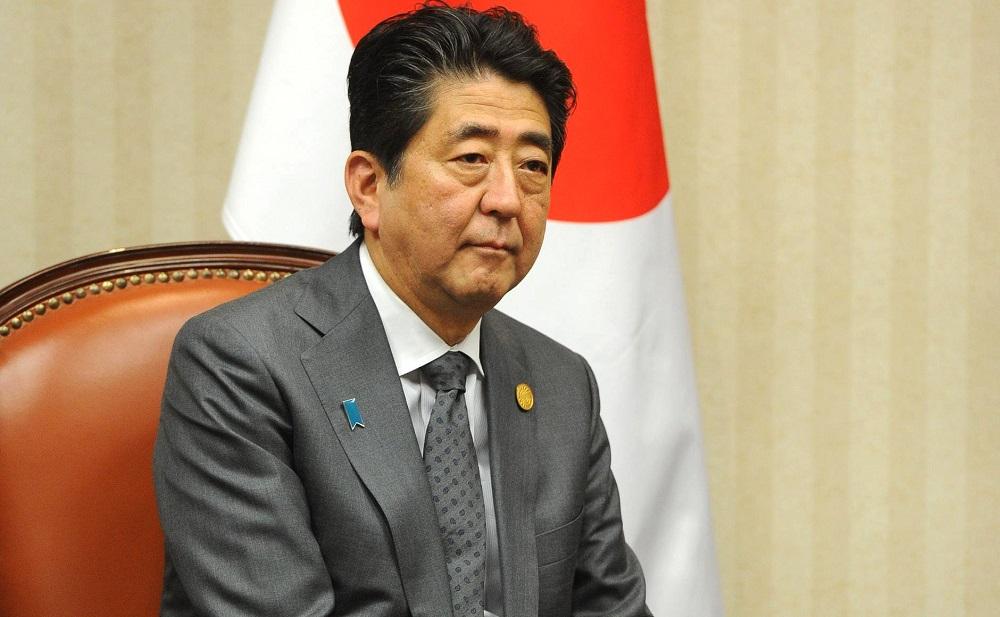 """Реконструкција на влада """"во јапонски стил"""": Две жени и син на поранешен премиер за подобрување на имиџот"""