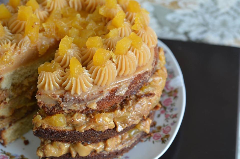 ОВОШНА И ОСВЕЖУВАЧКА: Торта со ананас (РЕЦЕПТ)