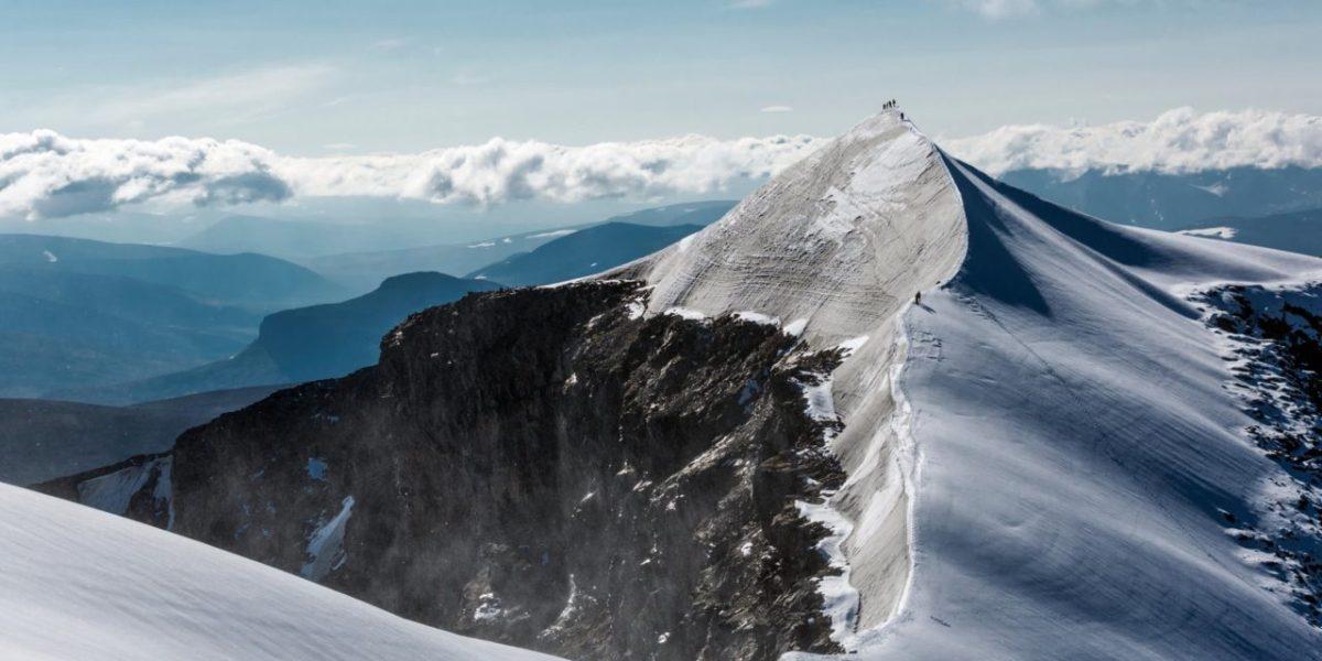 Глобалното затоплување го стопи највисокиот планински врв во Шведска