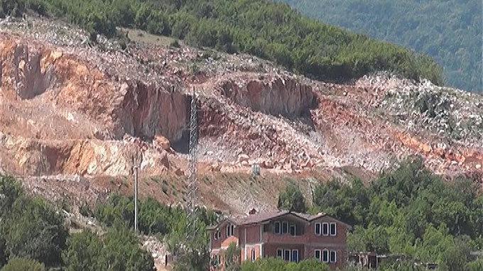 ДОМ се заканува со кривични за каменоломите во Лабуништа: Се загрозува на човековото здравје