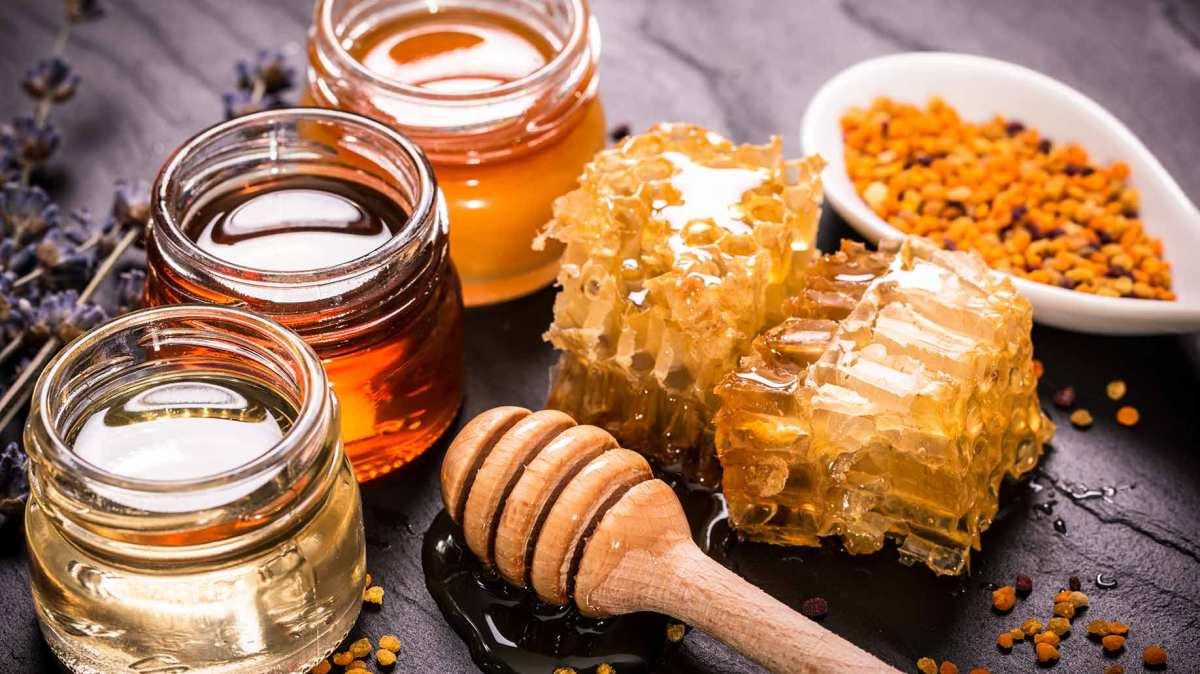 Само една лажица мед дневно го намалува холестеролот и го зајакнува имунитетот