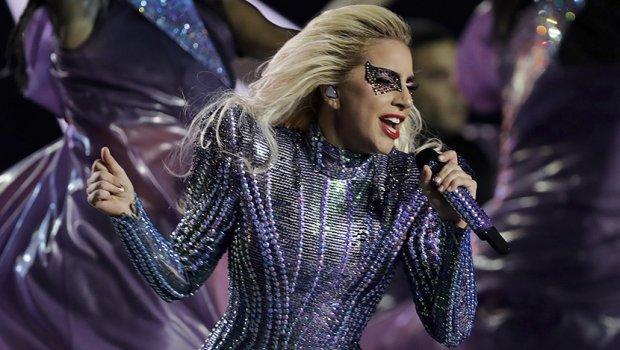 Лејди Гага ја објави рендгенската снимка по стравичниот пад