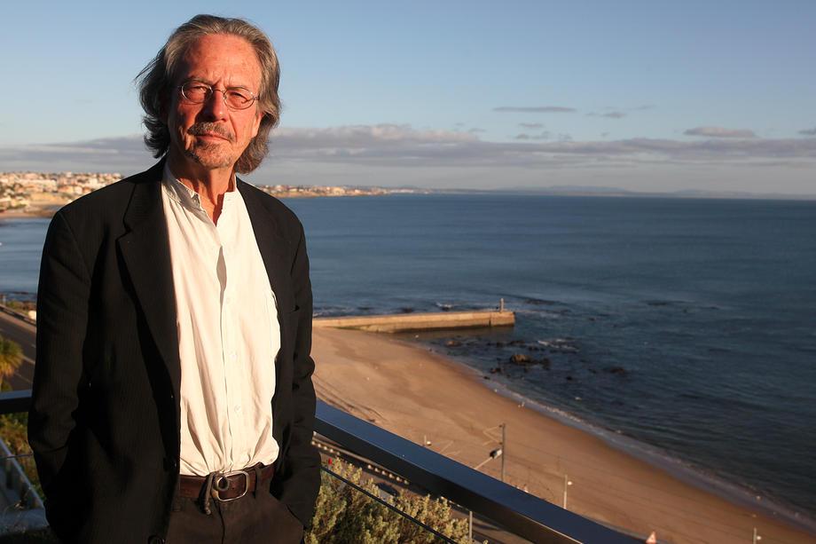 Нобеловата награда за литература во рацете на Петер Хандке
