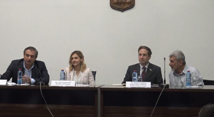 Ангеловска:НАТО е извор и на финансиска и на економска сигурност