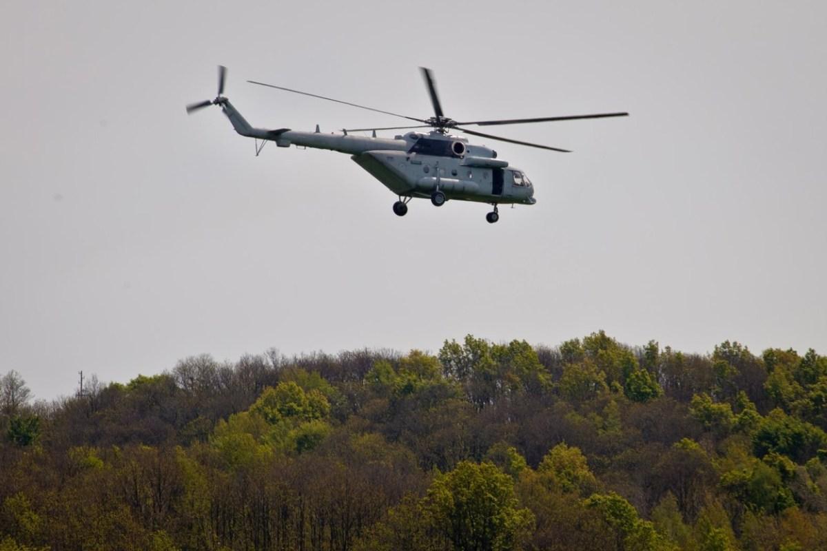 Скандал во хрватската војска: Пилоти со воен хеликоптер превезувале шверцер на оружје