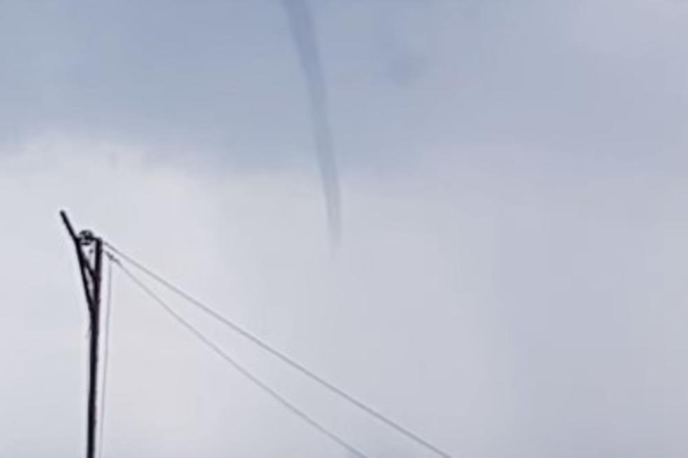 НЕСЕКОЈДНЕВНА ГЛЕТКА: Мини-торнадо во Улцињ