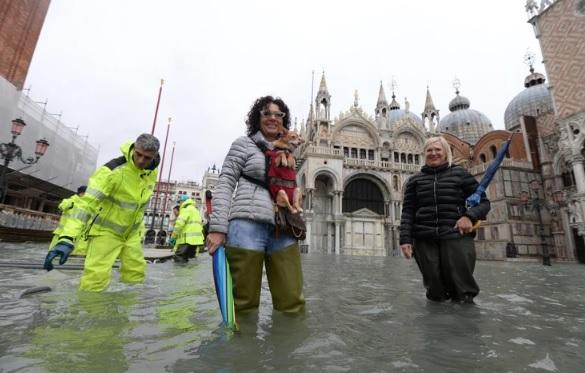 """Венеција ја чека уште еден ТЕЖОК ДЕН: Плоштадот """"Свети Марко"""" е затворен"""