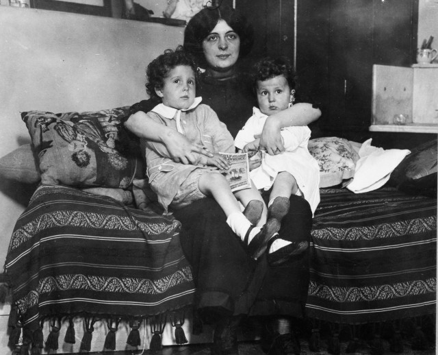 """Писмо на сирачињата од """"Титаник"""": Татко им ги киднапирал и ги однел на бродот кој бил осуден на пропаст"""