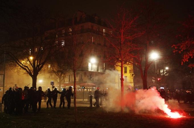 Во Франција продолжува генералниот штрајк