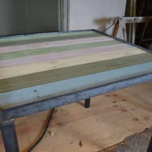 Horeca tafel Color van sloophout en stalen frame en onderstel