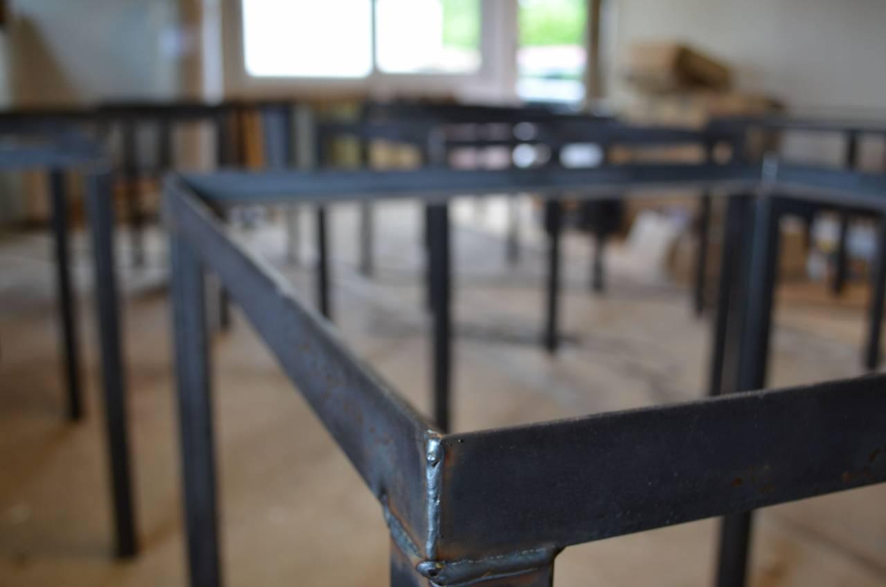 Stalen Onderstel Tafel : Horeca tafel burn van sloophout en een stalen frame en onderstel