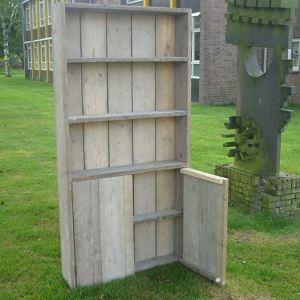 Wonderbaar Boekenkast van steigerhout met deurtjes aan de onderzijde EU-59
