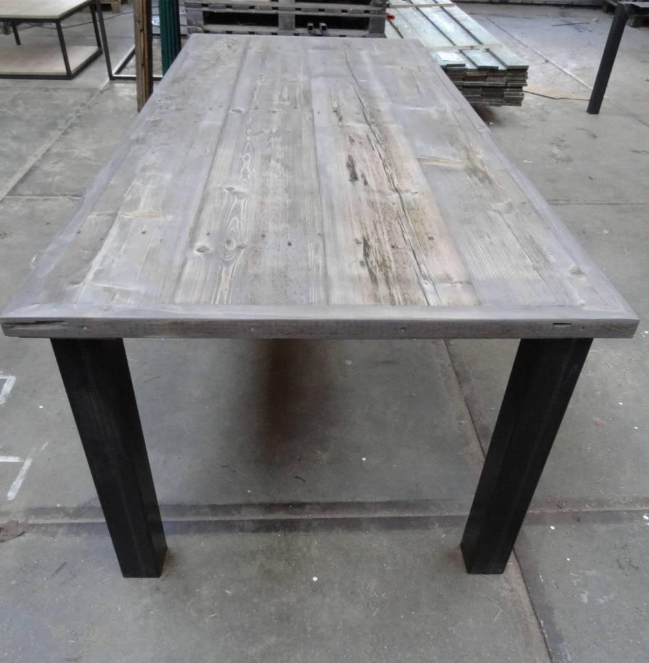 Bekend Tafel met verlijmd grenen Grey Wash blad en stalen losse poten #AU49