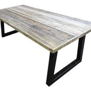 Tafel met sloophout breed blad en stalen trapezium onderstel
